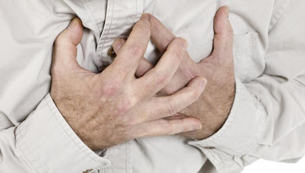 Top 7 Tips To Counter And Prevent Heartburn Naturally